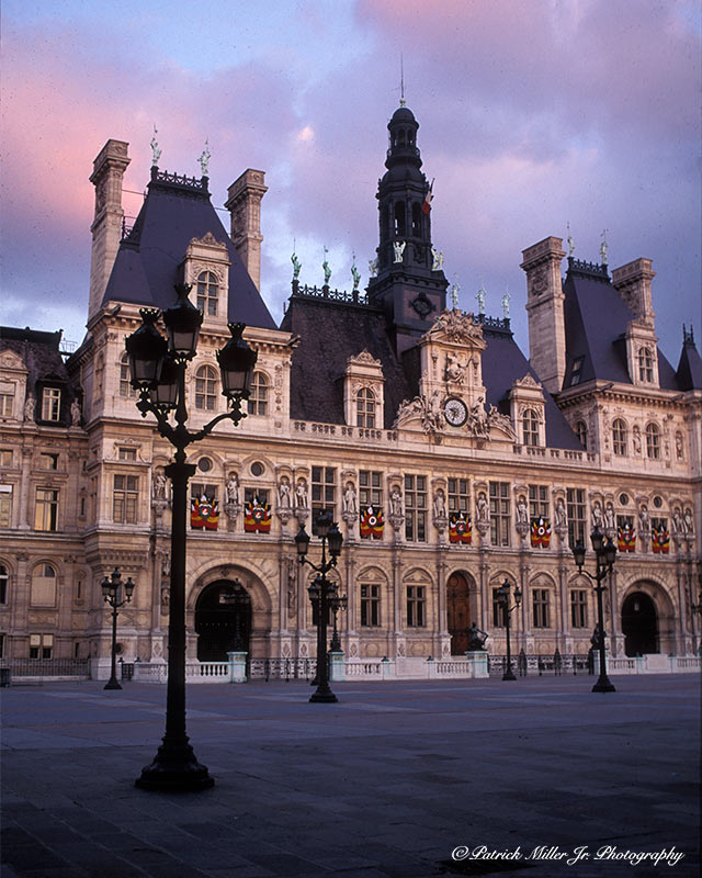 Paris Hotel de Ville courtyard as the sun sets