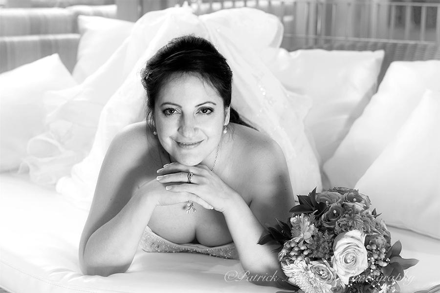 Wedding Portrait Couch BW VA