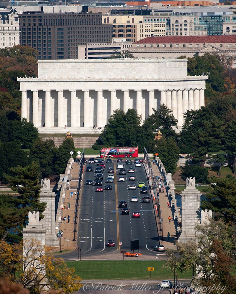 Arlington Memorial Bridge spanning the Potomac River between the Lincoln Memorial and Arlington National Cemetery