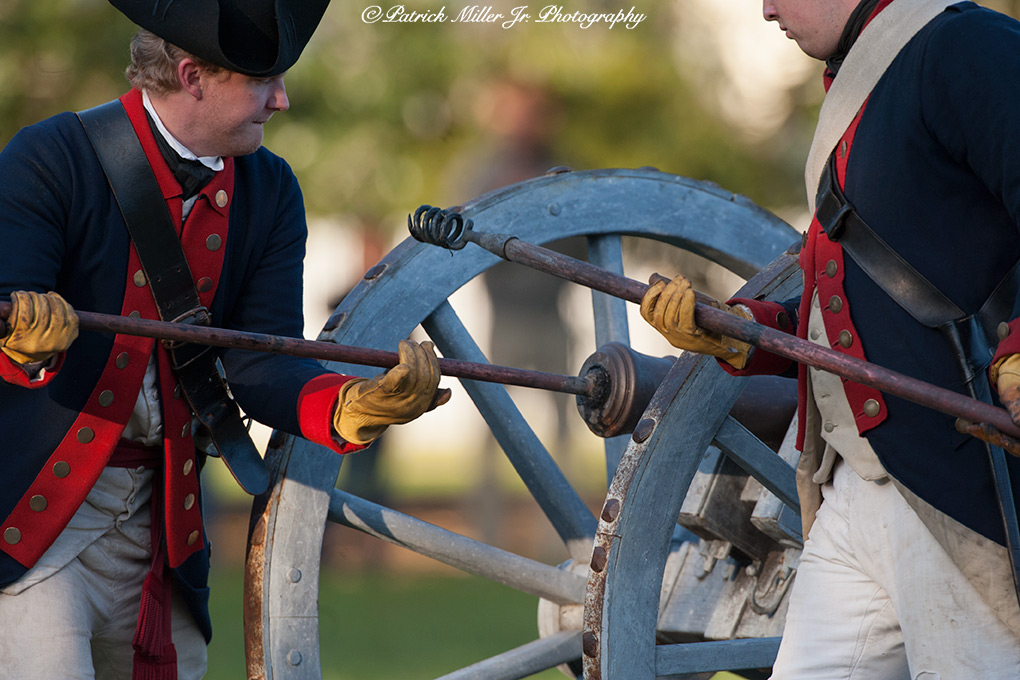 Colonial Williamsburg Soldiers Priming Cannon