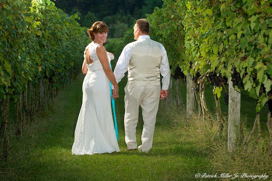 Bride and groom Virginia vineyard wedding